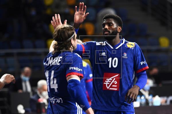 Francia sufre, Noruega sobrevive y Egipto convence en balonmano