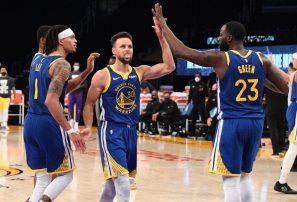 Warriors remonta de 14 y derrotan a Lakers; Durant encesta tiro decisivo