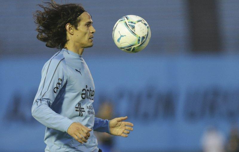 Futbolistas uruguayos reclaman levantar sanción a Cavani