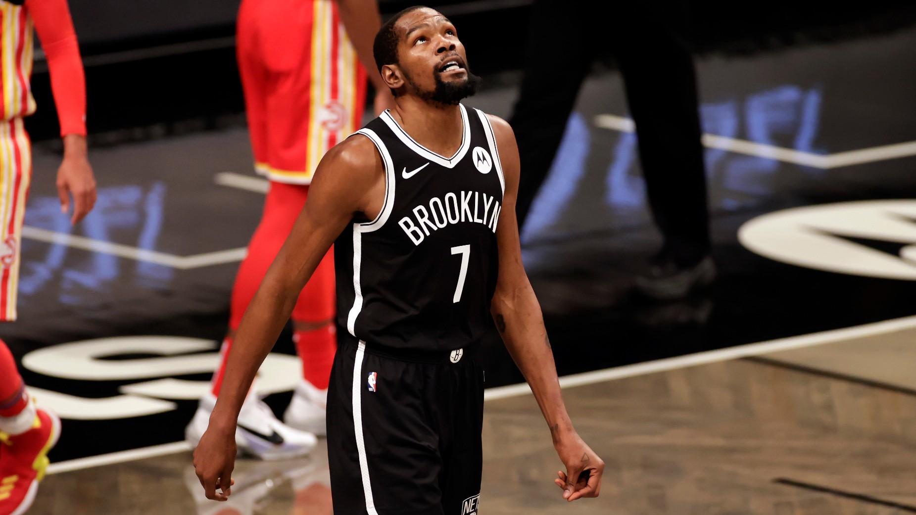 Durant, en cuarentena una semana por protocolos de coronavirus de la NBA
