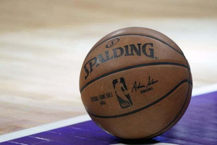 NBA no se plantea cancelar temporada a pesar de los casos covid-19