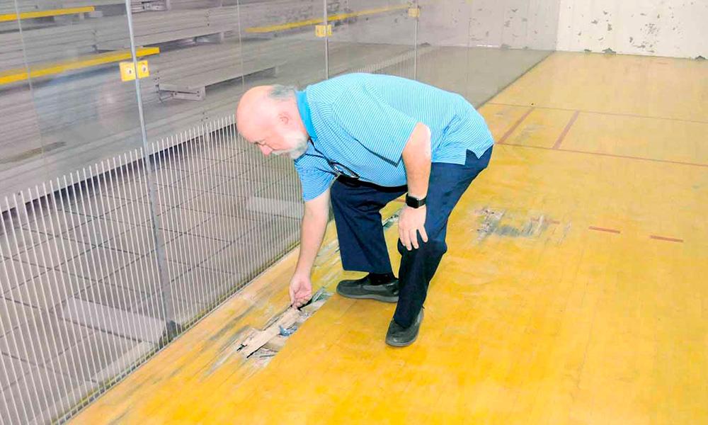 Miderec se compromete a remodelar Pabellón de Racquetbol