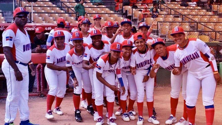 Preselección femenina dominicana de béisbol se prepara para Mundial de marzo