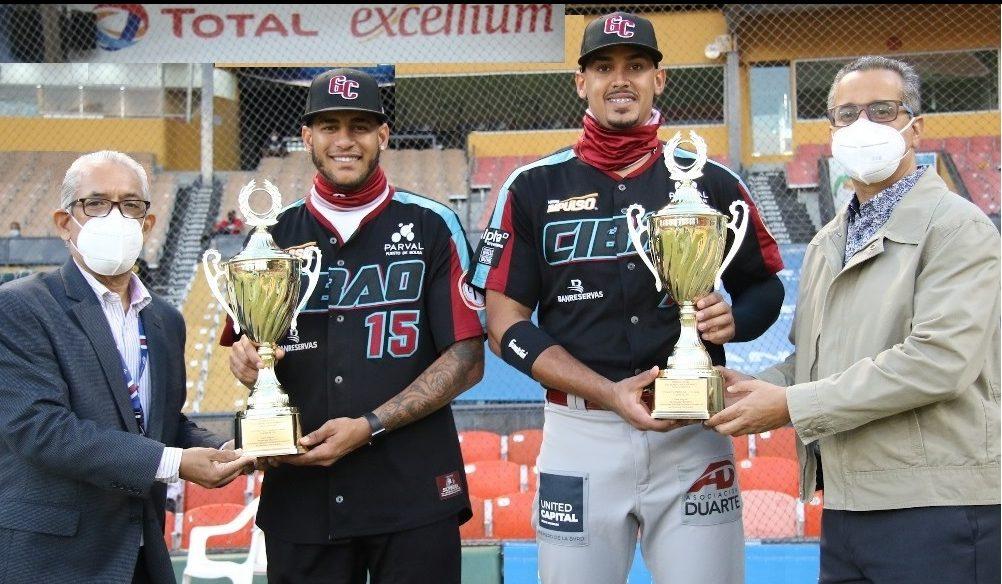 Guzmán, Sirí y Peña recibieron premio  Guante de Oro de Los Dominicanos Primero