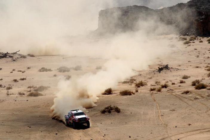 Nasser Al-Attiyah gana el prólogo y le saca 36 segundos a Sainz