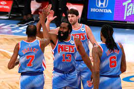 Triple doble de Harden en debut  con Nets