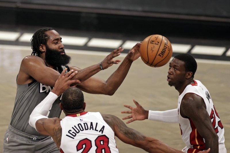 Nets derrotan al Heat; LeBron anota 46 en victoria de Lakers; Boston vence a Chicago