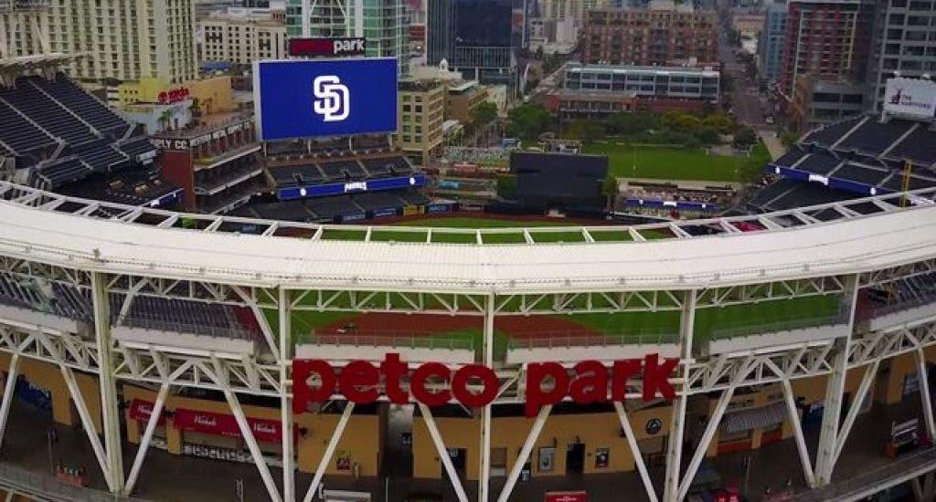Estadios de MLB serán centros de vacuna contra el COVID-19