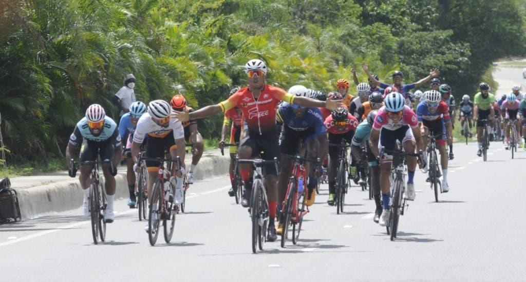 César Marte gana 5ta etapa de la Vuelta Independencia