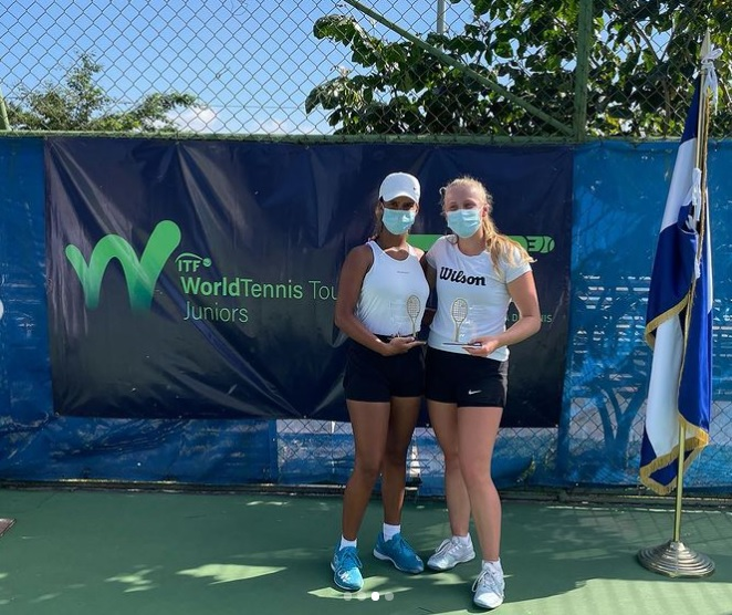 Carolina Chiatti campeona de dobles en El Salvador; logra primer título juvenil ITF