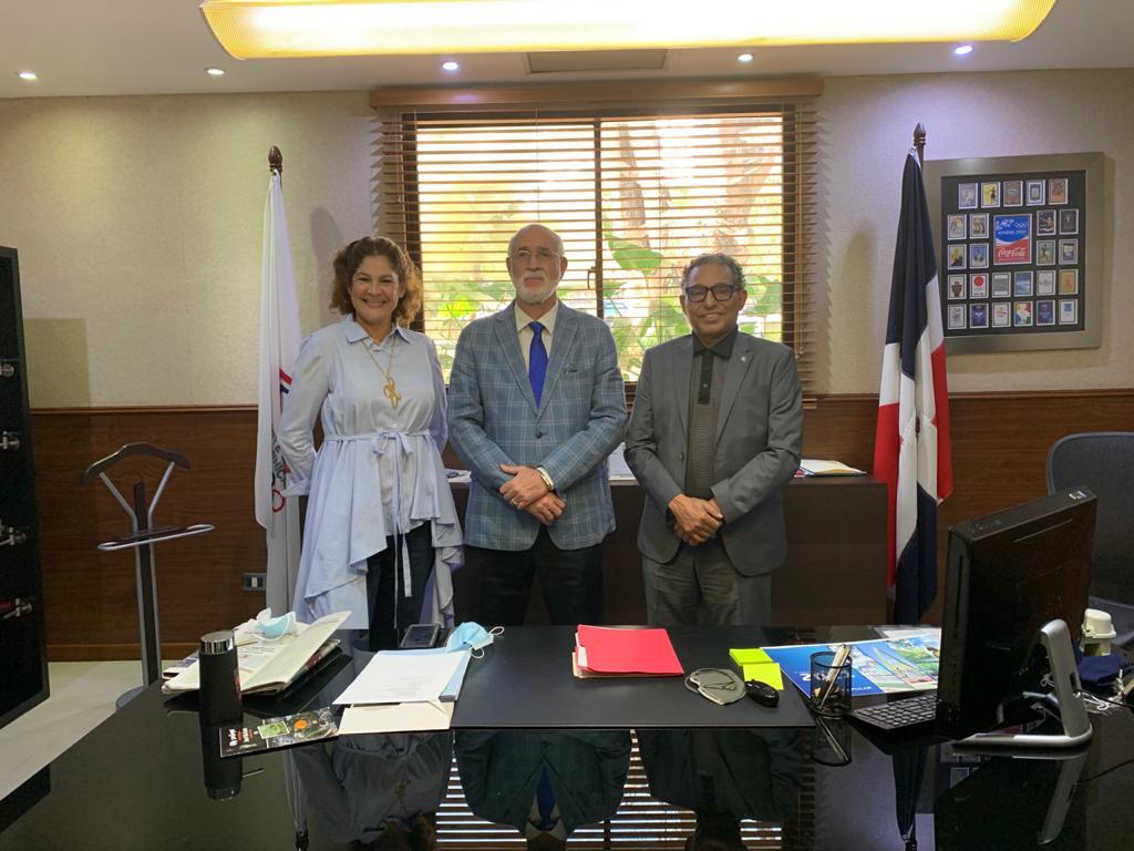 Inmortal Manolo Prince hace visita de cortesía al presidente del COD