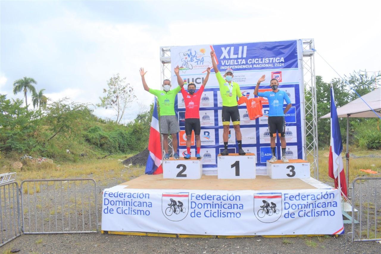 Geovanny García conquista la primera etapa de la Vuelta Ciclista