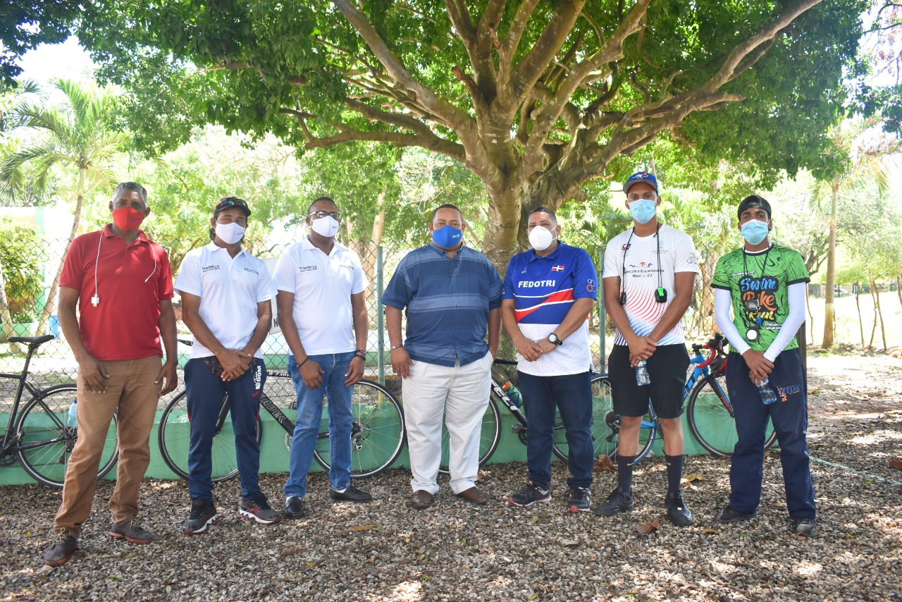 Fedotri y asociación trabajan de la mano para fomentar el triatlón en provincia SD