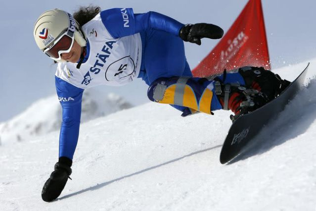 Ex campeona de snowboard muere víctima de avalancha en Suiza