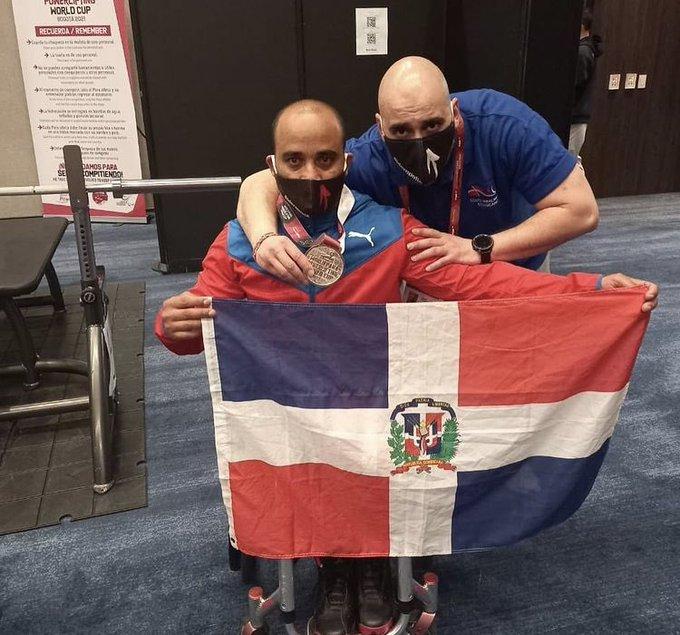 José Abud gana plata en clasificatorio paralímpico de pesas Tokio