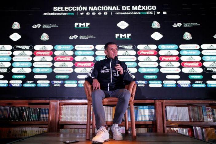 Lozano elogia el orden defensivo y contragolpe onceno dominicano