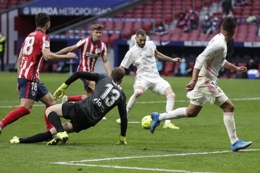 El Atlético y Real Madrid empatan; ceden terreno al Barcelona
