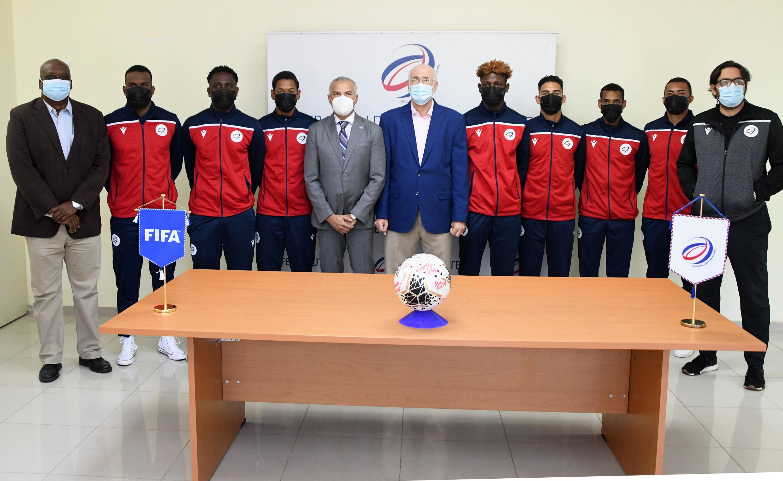 Equipo nacional de fútbol sale a eliminatoria preolímpico