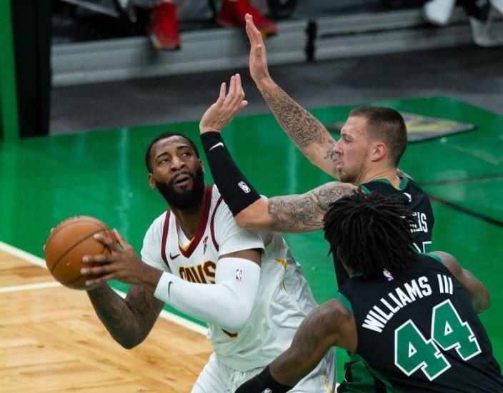 Los Lakers quieren a Drummond y Aldridge elige a los Nets