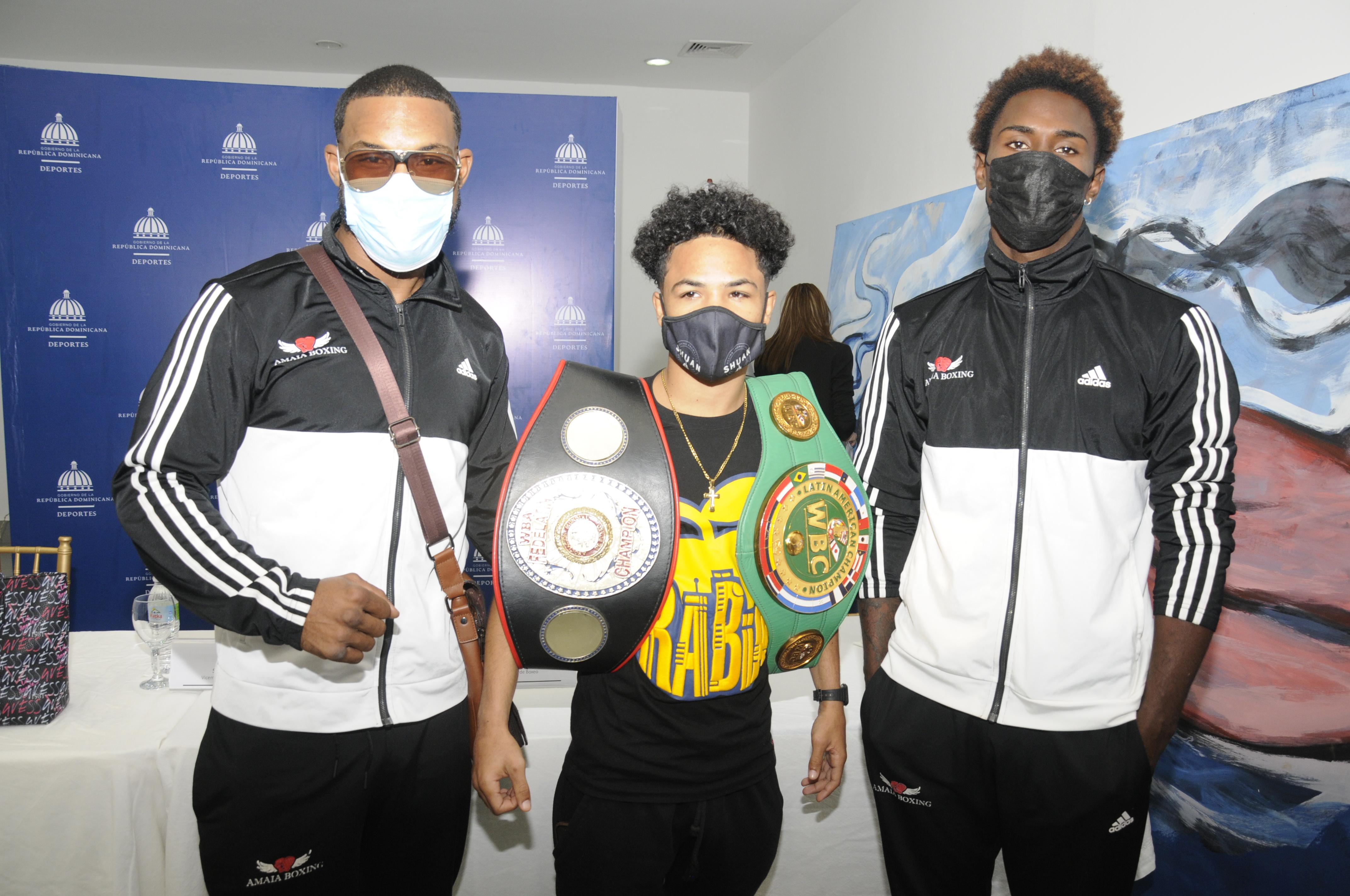 Anuncian cartelera internacional  boxeo profesional el viernes 12