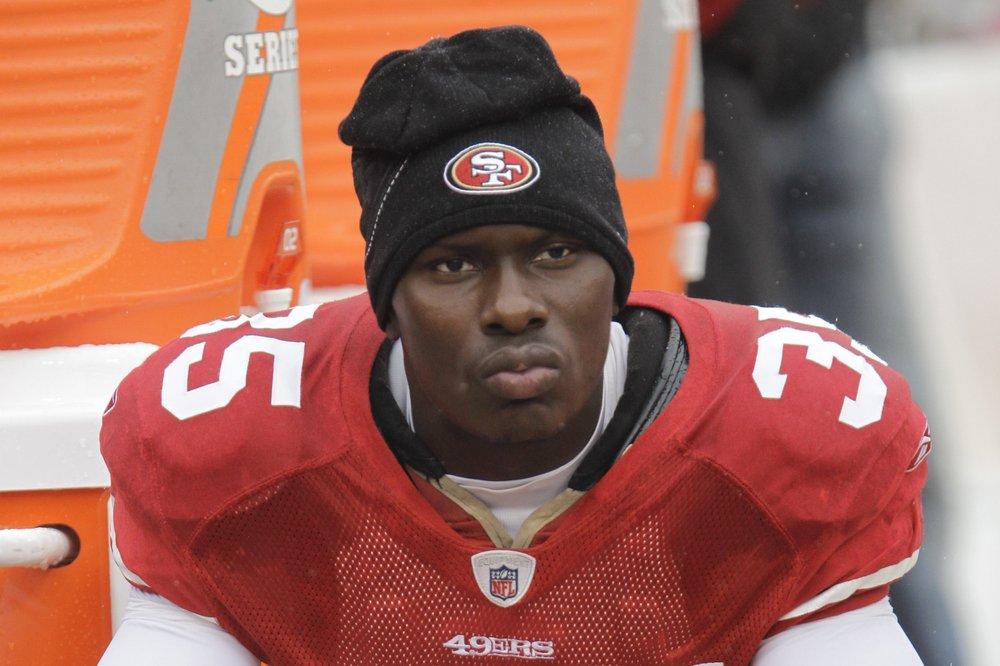 Exjugador de la NFL ultimó a cinco personas y se quitó la vida
