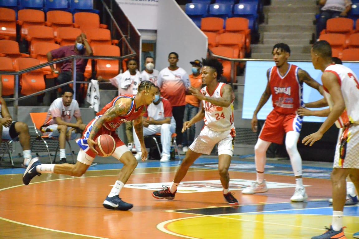 Cupes asume la cima; Sameji logra primera victoria Basket Santiago