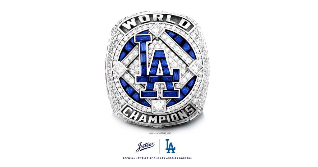 Dodgers entregan anillos de campeones de la Serie Mundial
