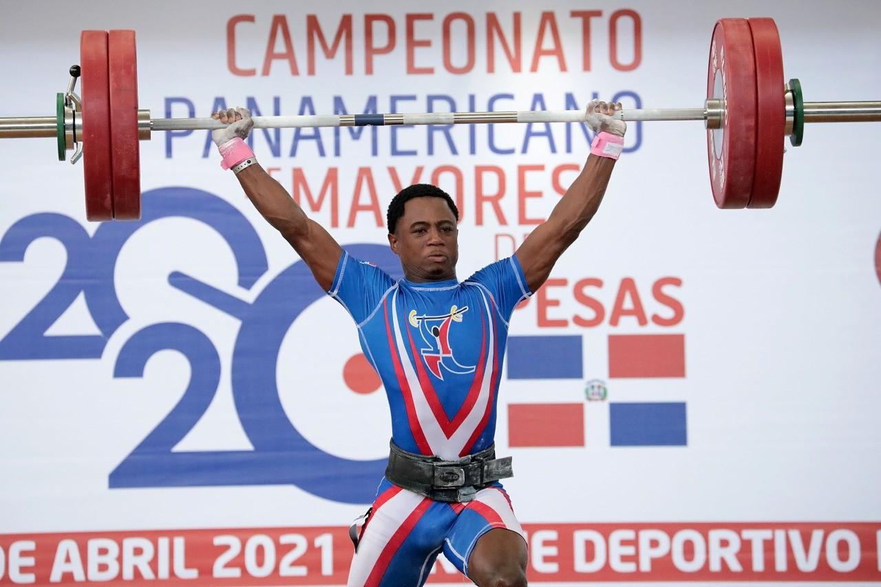 Yeison Michel muestra credenciales; García gana plata en pesas