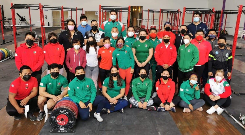 México define selección de pesas que viene a clasificatorio olímpico en RD
