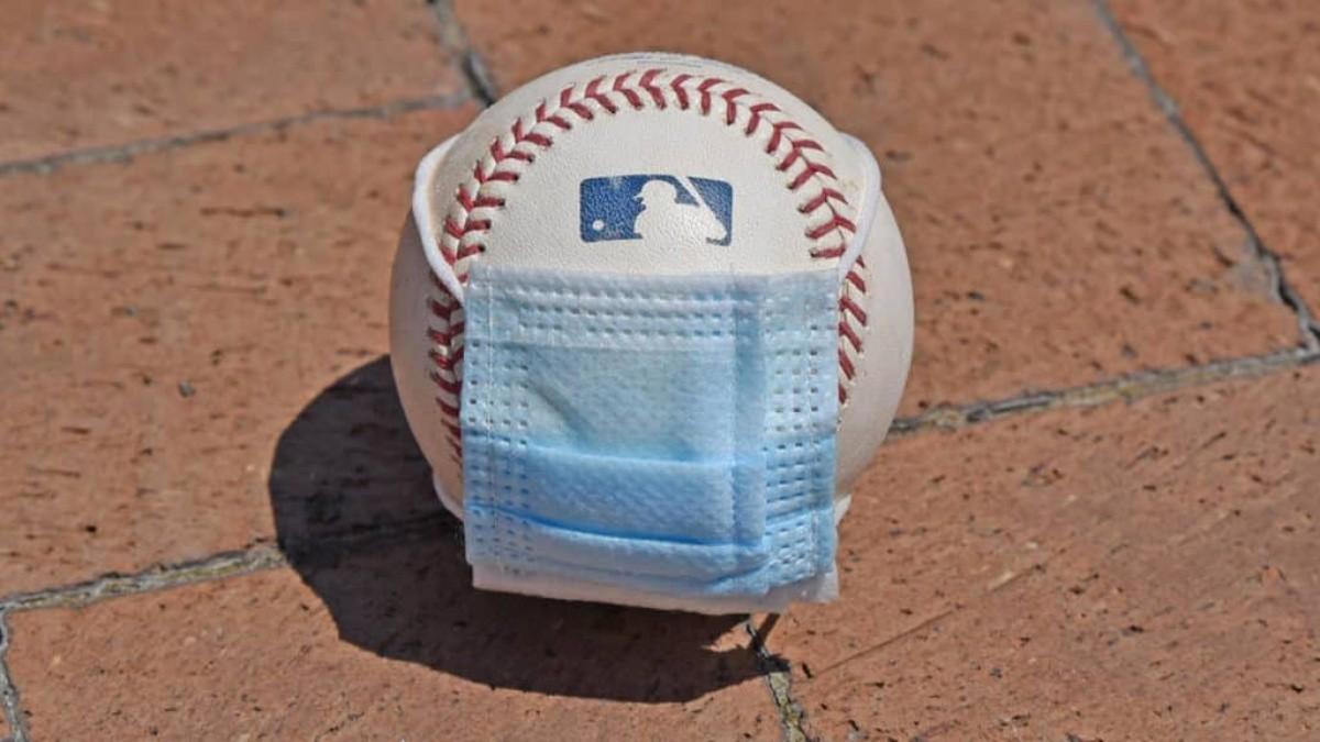 MLB permite cinco equipos relajen protocolos de Covid-19