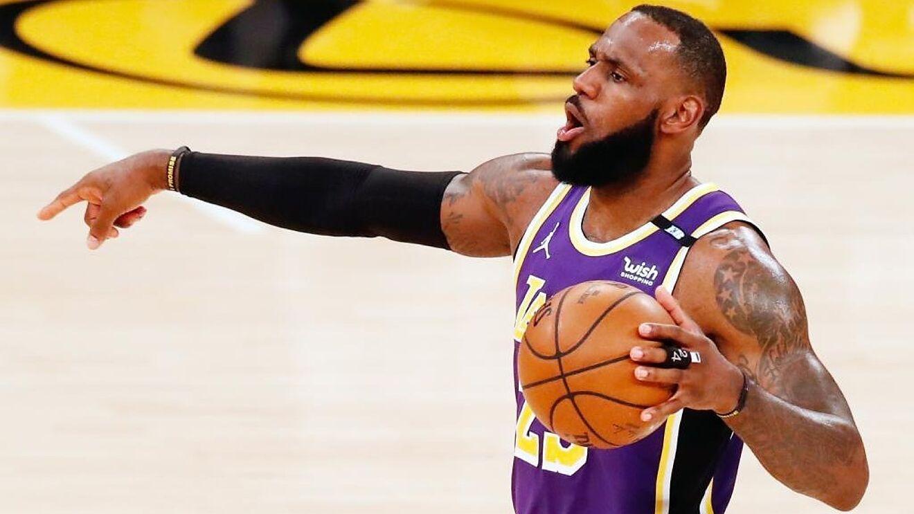 LeBron James sigue en duda para retornar a la temporada