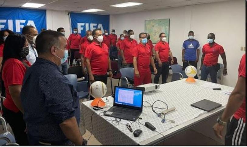 "INEFI inicia capacitación ""Fútbol Base Teórico Práctico"" dirigido a docentes y directores"