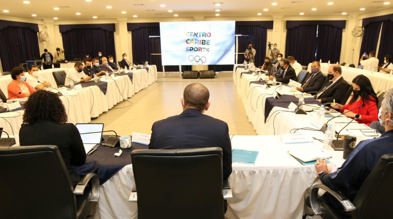 Comité Olímpico de El Salvador entrega documentación requerida por Centro Caribe Sports