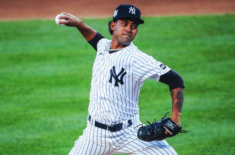 Yankees suben a Deivi García tras baja de Kluber