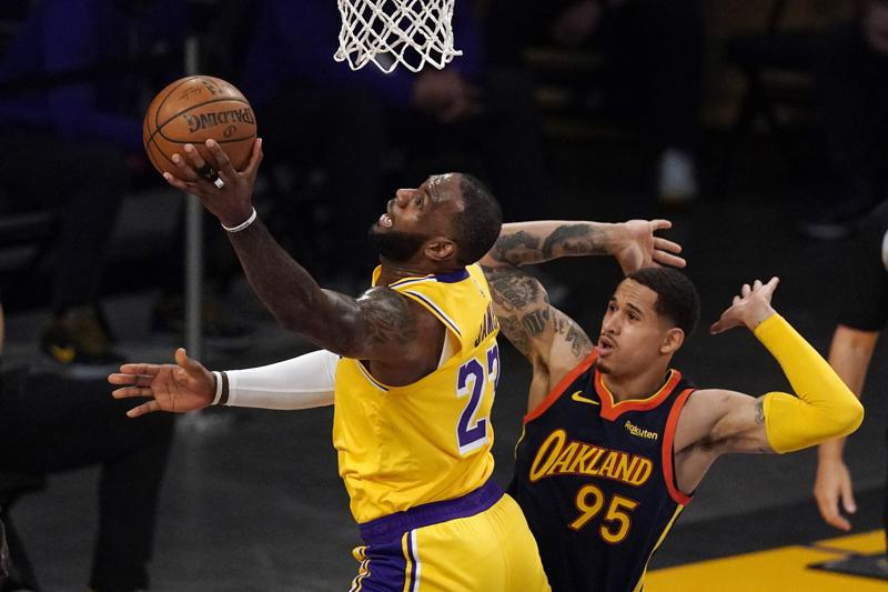LeBron da triunfo a los Lakers sobre Warriors; Grizzlies eliminan a Spurs