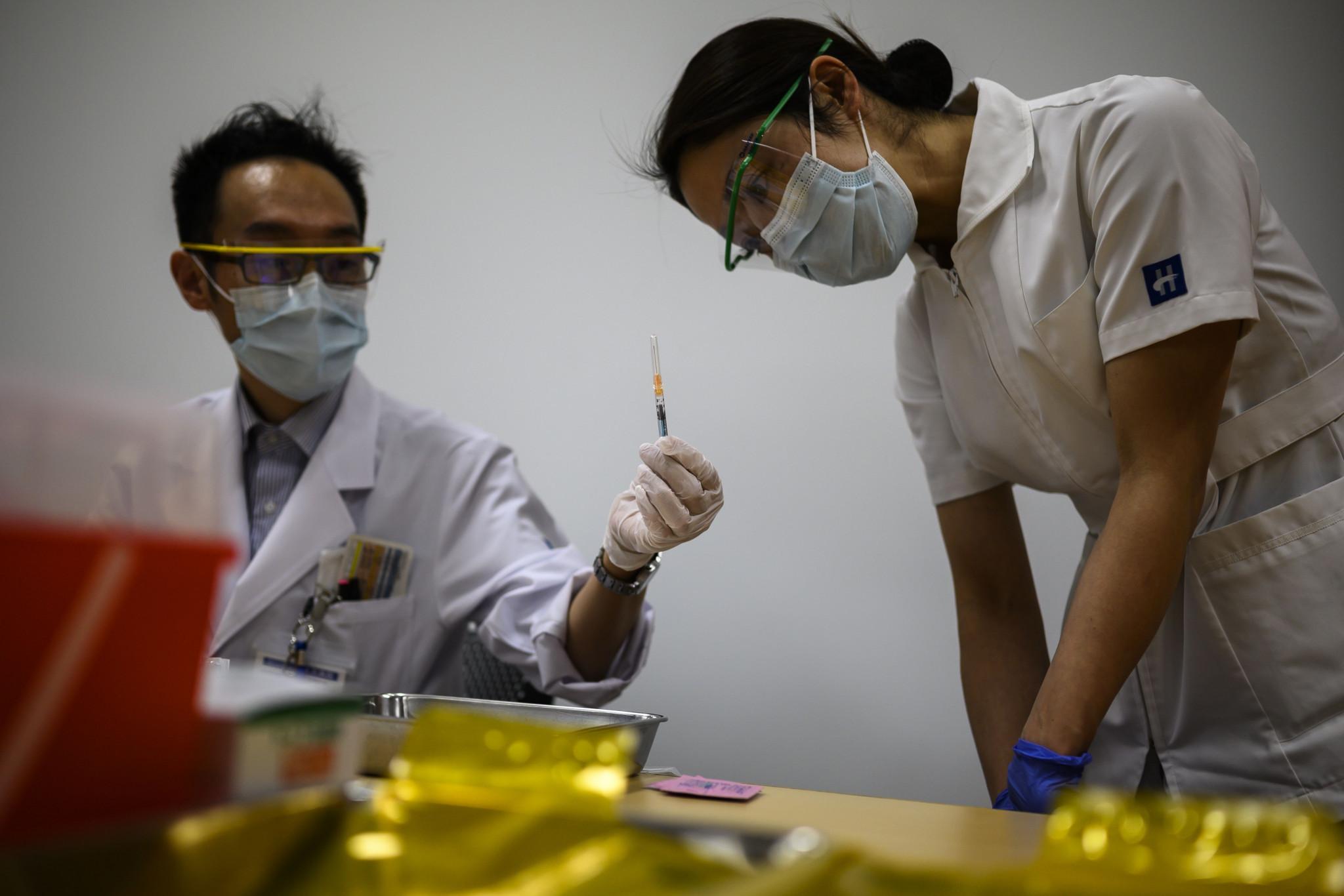 Continúan críticas sobre solicitud de Tokio 2020 enfermeras apoyen olímpicos
