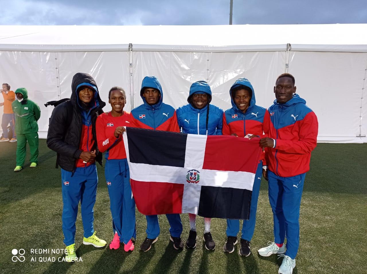 Relevo mixto atletismo 4X400 dominicano obtiene bronce en Mundial de Relevos
