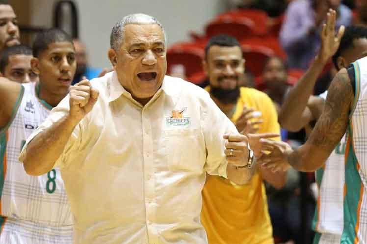 Flor Meléndez renovará selección masculina baloncesto Panamá