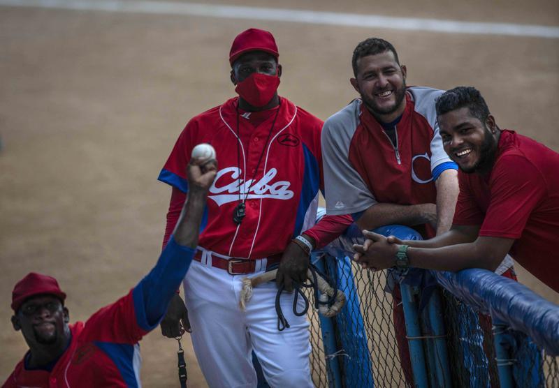 Jugadores cubanos, sin visa aún para Preolímpico de Béisbol