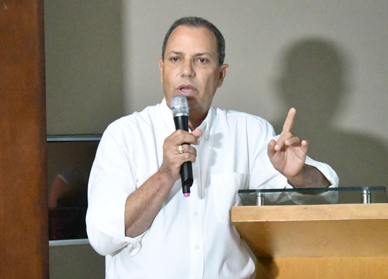 Fedosa trabaja en remozar selecciones nacionales