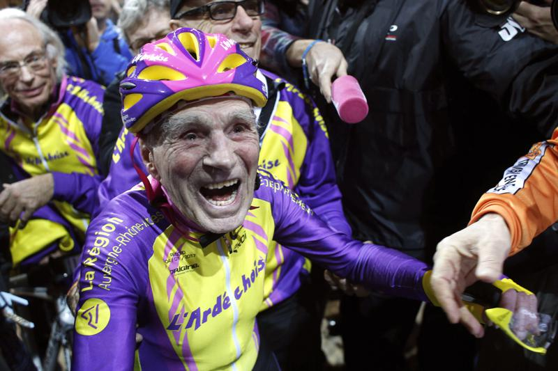 Muere ciclista francés que marcó récords a los 100 años