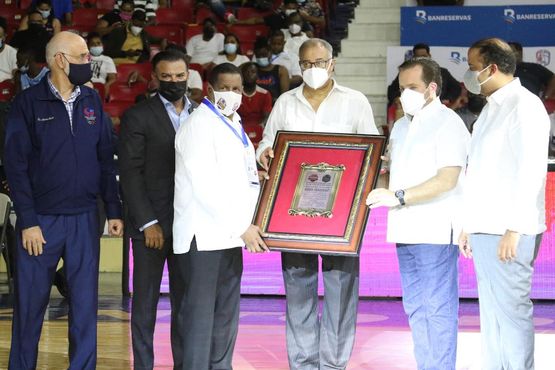 Barias y San Lázaro triunfan en inicio Torneo Baloncesto distrital