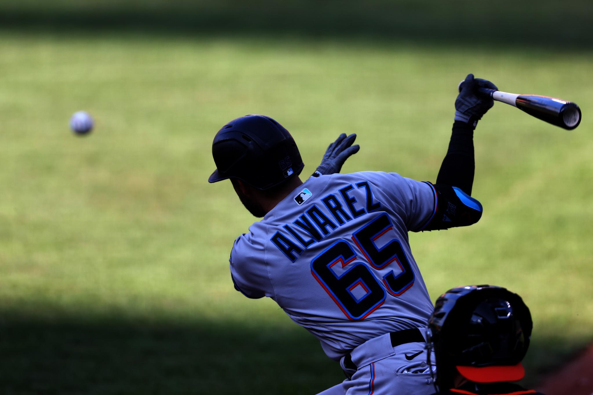 Medallista olímpico de invierno Álvarez se une a MLB All-Stars en el equipo de béisbol de EE. UU.