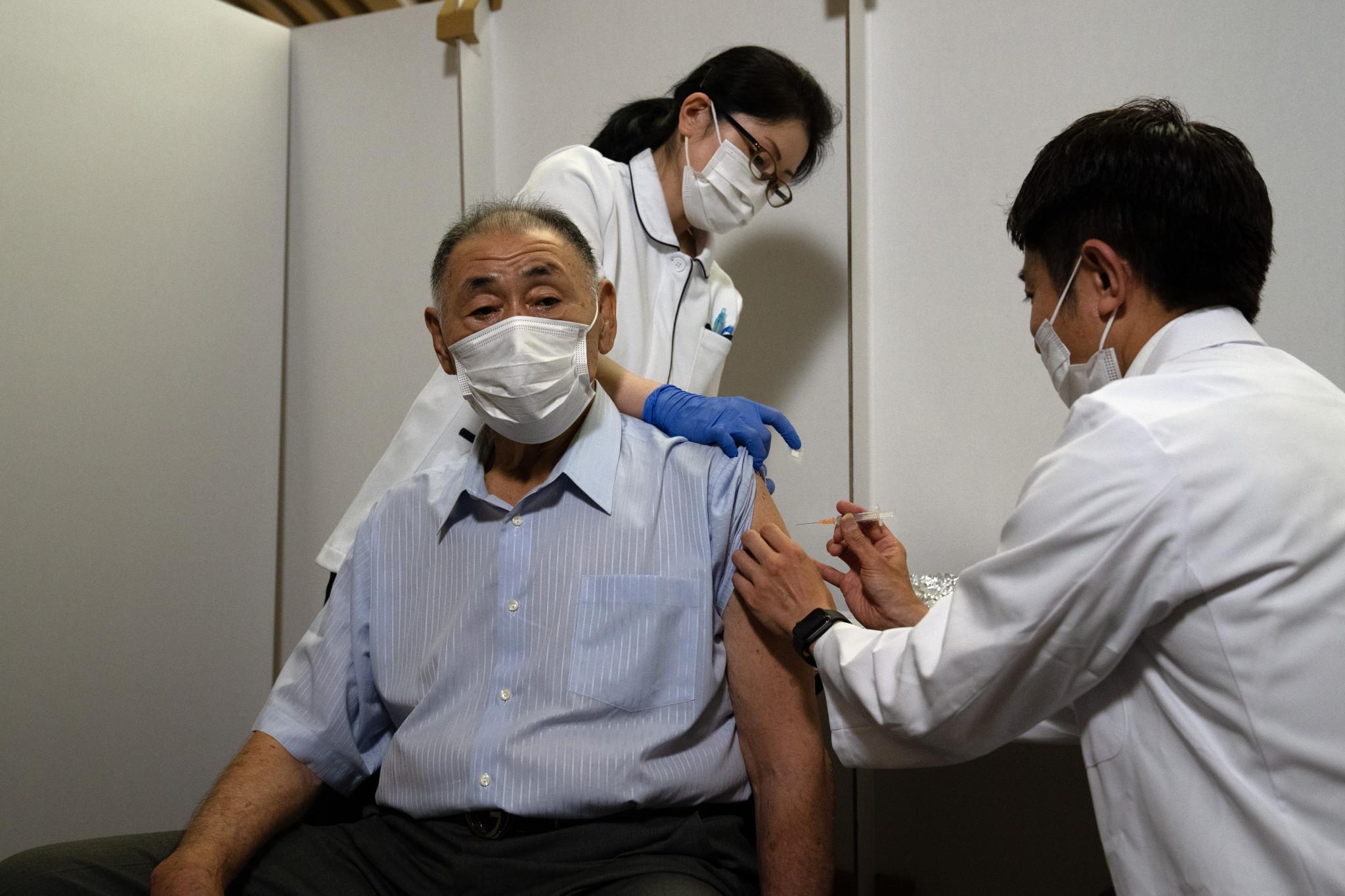 Centro de vacunación masiva abre en Tokio 60 días antes de los Juegos
