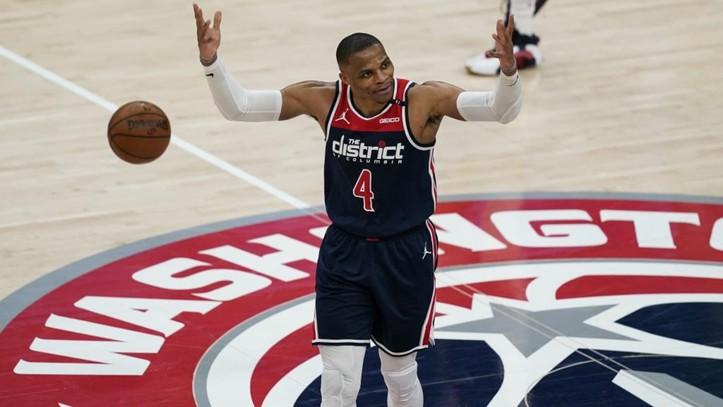 Wizards asegura lugar en minitorneo; Filadelfia lidera el Oeste