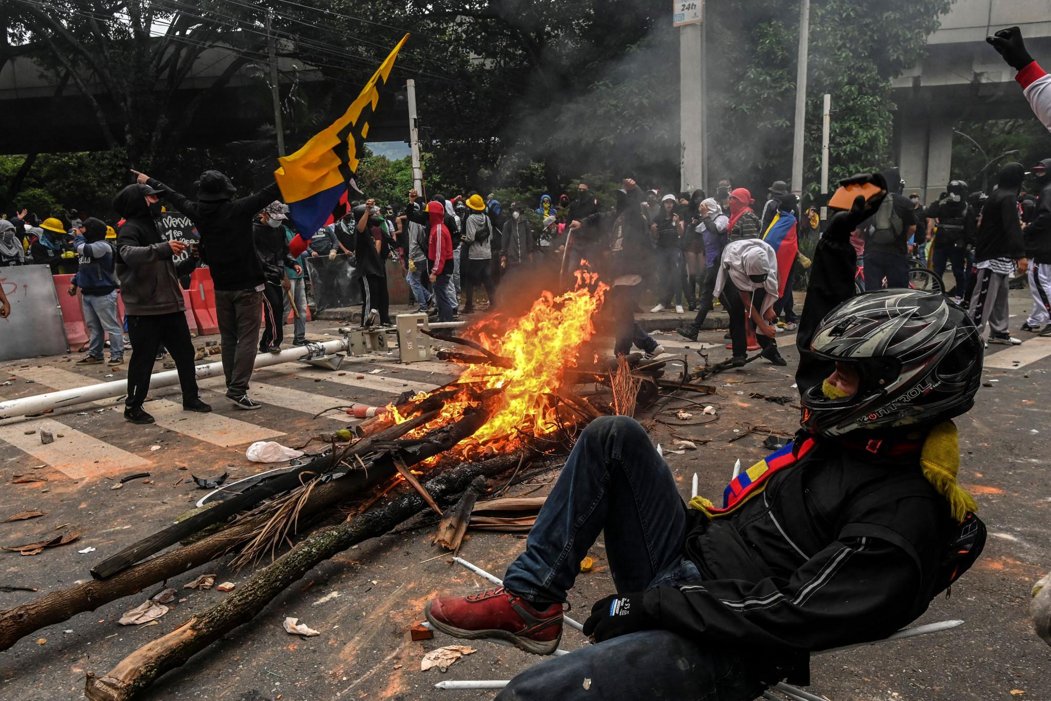 Cali continúa con disturbios civiles a menos de seis meses de los Juegos