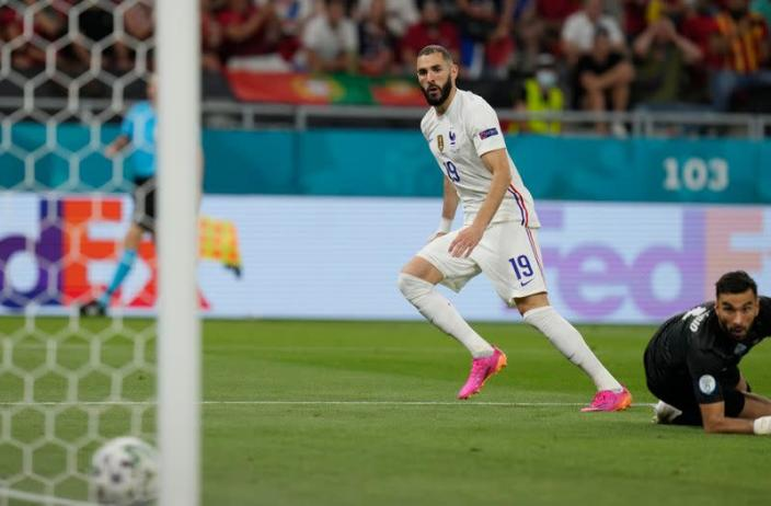 Francia gana