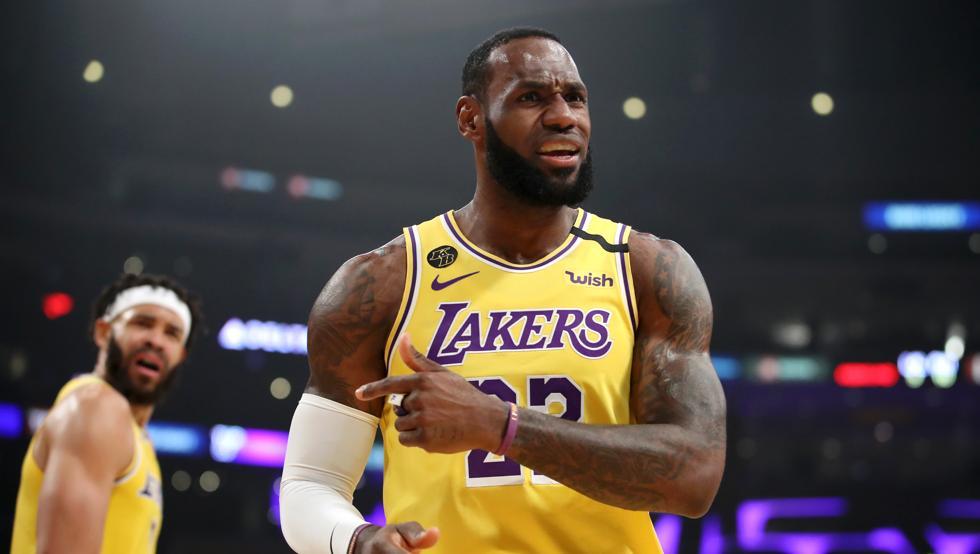 James tras paliza de Suns a Lakers: