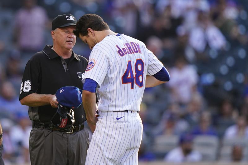 Umpires empiezan a inspeccionar a pitchers por sustancias