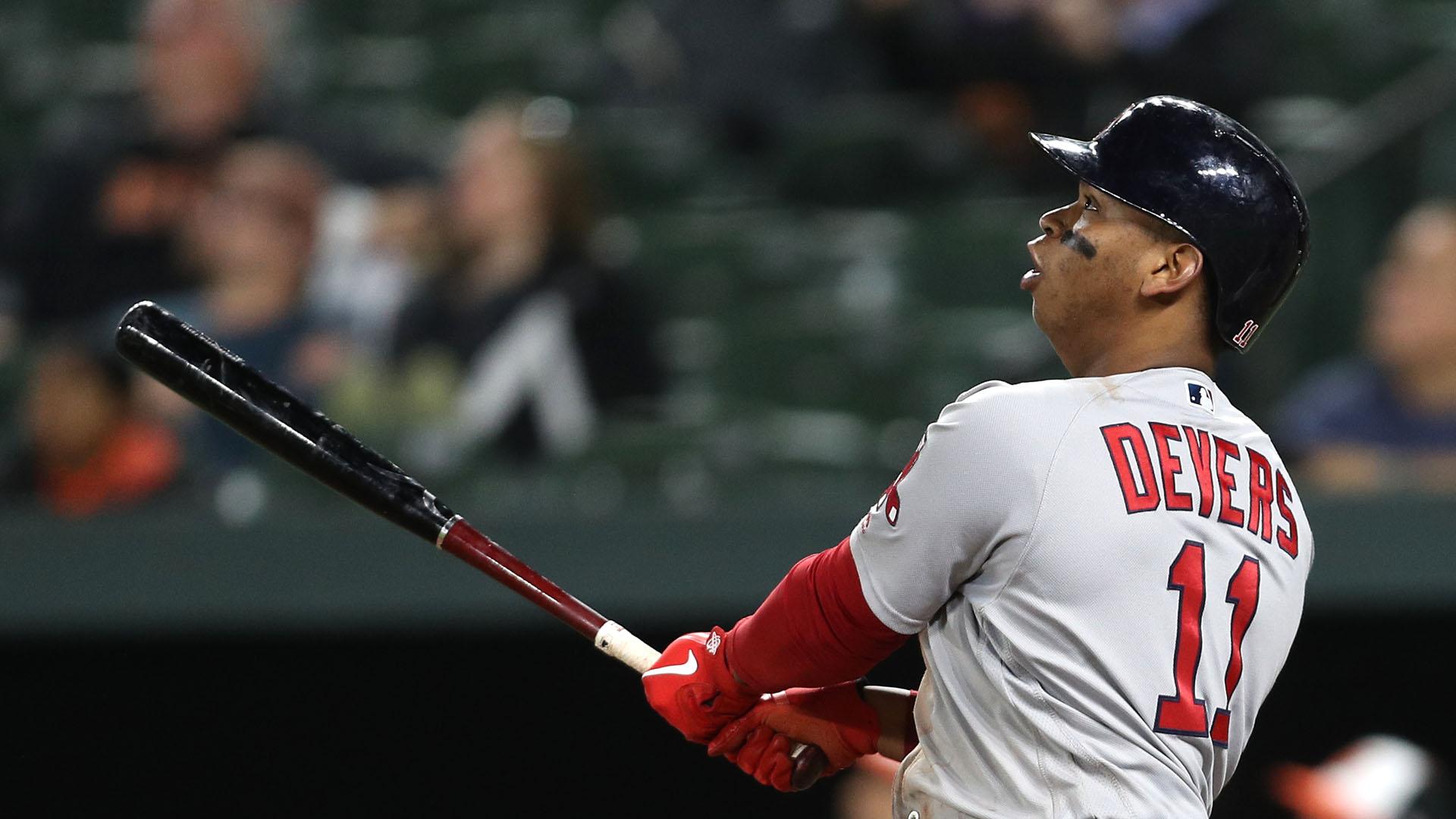 Rafael Devers la saca y Boston barre serie a Yankees
